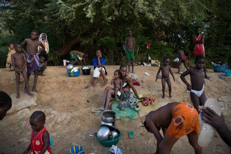Malians bathing in Gao