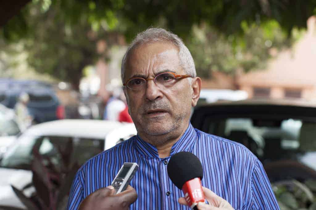 Jose Ramos-Horta, United Nations' special representative and head of the United Nations Integrated Peacebuilding Office in Guinea-Bissau, speaks to journalists in Bissau, April 13, 2014. Vote counting began in Guinea-Bissau after a heavy turnout in Sunday's legislative and presidential elections meant to bring stability to the West African state after years of coups and political infighting. Horta told Reuters on Sunday that tensions seen during campaigning had eased. REUTERS/Joe Penney (GUINEA-BISSAUSOCIETY - Tags: POLITICS ELECTIONS HEADSHOT) - RTR3L9R5