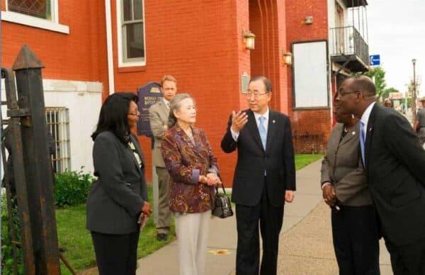 Ban Ki-moon, the UN secretary-general, center, visiting Buffalo.