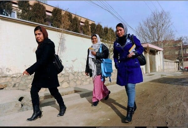 tktktkt Our community health workers in Afghanistan travel around on foot, to take family planning information directly to people's doorsteps.