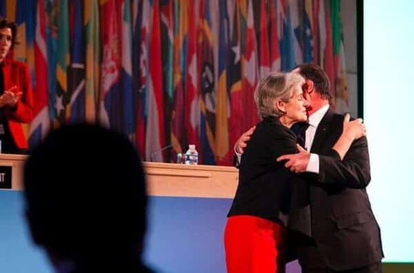 Irina Bokova with President François Hollande of France, at Unesco general conference in November 2015. N. HOUGUENADE/UNESCO